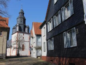 Tanzhof & Kirche Berstadt