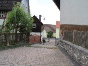 Kirchplatz Berstadt - Treppe zur Oberpforte